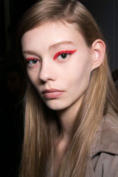 MAKEUP TRENDS FOR SPRING 2015 -- Flash of Color