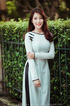 d97d501a5 Long Dress Fashion, Beautiful Long Dresses, Ao Dai Vietnam, Vietnamese  Dress, Vietnam