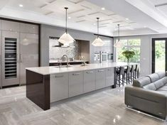Kitchen style and kitchen ideas for all of your dream kitchen needs. Modern kitchen creativity at its finest. Grey Kitchen Designs, Kitchen Remodel, Luxury Kitchen, Contemporary Kitchen Design, Contemporary Kitchen, Kitchen Layout, Best Kitchen Designs, Kitchen Style, Kitchen Design