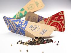 Aurum: marca e embalagem