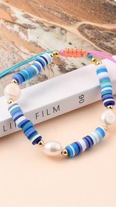 Homemade Bracelets, Diy Bracelets Easy, Bracelet Crafts, Polymer Clay Bracelet, Beaded Braclets, Beaded Jewelry, Handmade Beaded Bracelets, Jewelry Bracelets, Jewellery