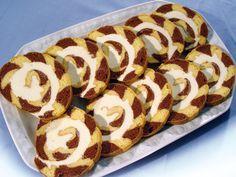Chod: Zákusky a koláče - Page 15 of 254 - Mňamky-Recepty. Swiss Cake, Albanian Recipes, Cookie Recipes, Dessert Recipes, Desserts With Biscuits, Waffle Cake, Noel Christmas, Something Sweet, Hot Dog Buns