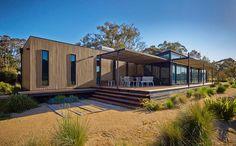 Modscape modular homes, prefab homes, and transportable homes in NSW, Victoria, & Australia Prefab Buildings, Prefabricated Houses, Prefab Homes, Modular Housing, Modular Homes, Hillside House, Container House Design, Container Houses, Box Houses