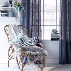 A cozy place Interior Styling, Interior Decorating, Interior Design, Cosy Reading Corner, Living Room Decor, Living Spaces, Piece A Vivre, Cozy Place, Beautiful Interiors