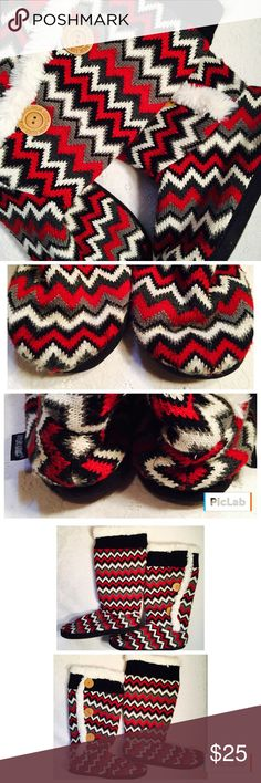 """Chevron print Mukluks Chevron print Mukluks. Great used condition. Sweater material with mild pilling. Size xlarge 9-10. Sole measurement from toe to heel 10 3/4"""". Muk Luks Shoes"""