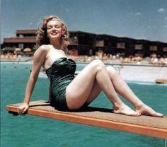 Marilyn Monroe - swimsuit