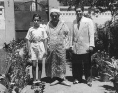 Photo d'Abdelkrim El Kattabi, le fervent révolutionnaire en exil avec ses deux enfants
