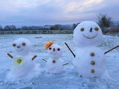창작자들의 놀이터 : 그라폴리오 Life Is A Journey, Snowman, Outdoor Decor, Life's A Journey, Snowmen