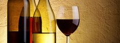 Οι τύποι των Ελληνικών κρασιών  Πρώτο κριτήριο διαφοροποίησης αποτελεί το χρώμα. Έτσι διακρίνουμε τα κρασιά σε λευκά, ροζέ, και ερυθρά. Πρόκειται για ένα χαρακτηριστικό που εξαρτάται αφ' ενός από το είδος του σταφυλιού πού χρησιμοποιήθηκε για την παρασκευή του κρασιού, αφ' ετέρου από το είδος της οινοποίησης...