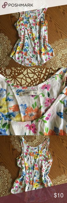 Floral Pastel Water Color Tank Top Pastel watercolor floral tank top from Old Navy. In perfect condition and can pair well with almost anything - wear under a cute cardigan or alone with a pair of distressed jeans. 🎀🌼🌷 Old Navy Tops Tank Tops