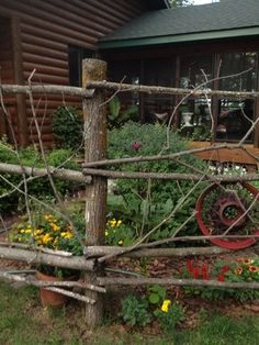 make garden gate out of branches | Make a fence out of tree branches.