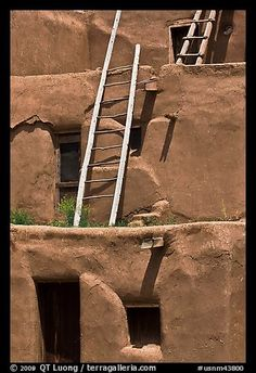 Communal houses of adobe. Taos, New Mexico, USA