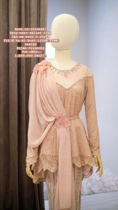 Stylish Kurtis Design, Stylish Dress Designs, Stylish Dresses, Women's Fashion Dresses, Hijab Fashion, Dress Brokat, Kebaya Dress, Kebaya Hijab, Kebaya Modern Hijab