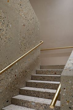 Brass and terrazzo staircase by Casper Mueller Kneer Architects.c… for more – staircase Terrazzo, Interior Staircase, Staircase Design, Staircase Ideas, Balustrade Design, Architecture Design, Escalier Design, Stair Handrail, Railings