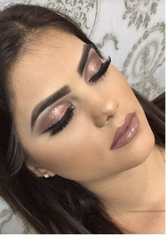 Idée Maquillage 2018 / 2019 : brown glitter Makeup idea brown glitter Here are 10 makeup ideas▷ 1001 + unique ideas Tips to Fake Long, Thic Makeup 2018, Prom Makeup, Bridal Makeup, Lip Makeup, Wedding Makeup, Makeup Goals, Makeup Inspo, Makeup Inspiration, Ball Make-up