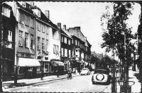 Nummer:         7747           Collectie:         Fotocollectie GAM           Datum:         1/1/1954Trefwoord(en):Frankenstraat, Even Huisnummers, Winkelpanden, Maastricht           Beschrijving:         Maastricht. Frankenstraat. Noord Oosten. Nummer132 en lager.