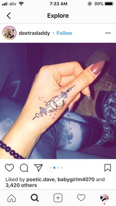 Pinterest @lulsavbbg Cool Finger Tattoos, Womens Finger Tattoos, Hand Tattoos For Women, Tattoos For Fingers, Unique Women Tattoos, Henna Finger Tattoo, Finger Tattoo Designs, Cool Tatoos For Women, Hand Tattoos Girl