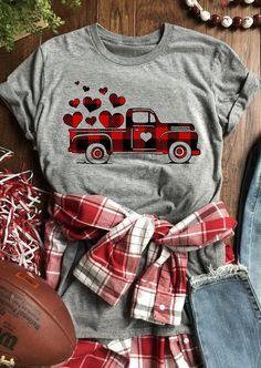 Valentine Plaid Printed Splicing Car Heart T-Shirt Tee - Gray - Bellelily Home T Shirts, Vinyl Shirts, Tee Shirts, Valentines Day Shirts, Teacher Shirts, Swagg, Ideias Fashion, Shirt Designs, Cute Outfits
