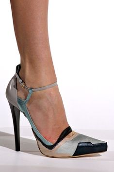 Jil Sander Fall 2012 Ready-to-Wear Accessories Photos - Vogue Cute Shoes, Me Too Shoes, Shoe Boots, Shoes Heels, Pumps, Flats, Killer Heels, Luxury Shoes, Crazy Shoes