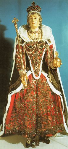 Wax Mannequin of Elizabeth I, Westminster Abbey (larger image)