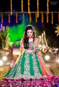 Pakistani Mehndi Dress, Dulhan Dress, Bridal Mehndi Dresses, Walima Dress, Pakistani Wedding Dresses, Pakistani Outfits, Mehndi Outfit, Asian Wedding Dress, Muslim Women Fashion