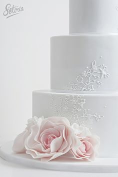 Piping detail by Cake Ink. (Janelle), via Flickr