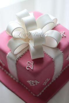 16th Birthday Cake For Girls, Birthday Present Cake, 19th Birthday Cakes, Sweet 16 Birthday Cake, Elegant Birthday Cakes, Gift Cake, Bow Cakes, Cupcake Cakes, Brithday Cake