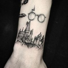 Most Popular Chest Tattoos for Men | CUSTOM TATTOO DESIGN Stomach Tattoos, Forearm Tattoos, Body Art Tattoos, New Tattoos, Hand Tattoos, Sleeve Tattoos, Harry Potter Tattoos Sleeve, Arrow Tattoos, Tatoos