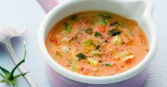 Eine Suppe mit Exoten-Kick - dafür sorgen u. a. Kokosmilch, frisch gepresster Orangensaft und Kreuzkümmel. So lecker!