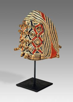 Bamileke People Cameroon, West Africa C. Hemp W x D x H Ashetu or Ceremonial Hat African Textiles, African Fabric, African Hats, African Crown, Statues, Textures Patterns, Floral Patterns, Textile Artists, West Africa
