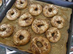 Domácí celozrnné bagely | Výživa pro fitness Bagel, Bread, Baking, Fitness, Food, Brot, Bakken, Essen, Meals