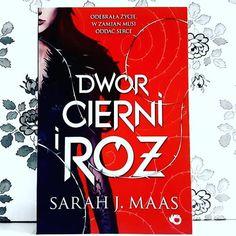 """Magia - jest! Seks - jest! Przemoc - jest! Jeśli lubicie książki z gatunku """"paranormal romance"""" to gorąco polecam przyjrzeć się bliżej tej serii od @wydawnictwo_uroboros  Moją recenzję znajdziecie na www.kakaludek.com #ksiazki #ksiazka #książki #książka #book #books #romance #romans #uroboros #sarahjmaas #polska #poland #poznan #poznań #kakaludek #czytamzuroboros #czytambolubie #bookaddict #bookstagram #bookoholic #bookaholic"""