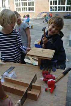 timmeren met groep1/2 Carpentry, School, Kids, Young Children, Woodworking, Boys, Children, Joinery, Woodwork