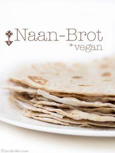 """Kennt Ihr """"Naan-Brot""""? Vor einigen Wochen habe ich nach langer, langer Zeit nochmal Naan-Brot gegessen. Eines Samstags auf dem Carlsplatz in Düsseldorf auf dem Markt, gefüllt mit ganz tollen Falafe…"""