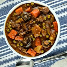 Gonna Want Seconds - Easy Crockpot Beef Stew - Gonna Want Seconds Beef Stew Crockpot Easy, Crockpot Dishes, Slow Cooker Beef, Crock Pot Cooking, Slow Cooker Recipes, Crockpot Recipes, Soup Recipes, Cooking Recipes, Delicious Recipes