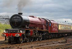 Steam Trains Uk, Old Steam Train, Old Wagons, Steam Railway, Train Art, Old Trains, British Rail, Princess Elizabeth, Train Engines