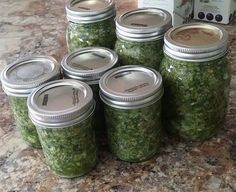 Recette: herbes salées de maman. Canning Recipes, Salad Recipes, Indian Tacos, Marinade Sauce, Greens Recipe, Spice Blends, Fermented Foods, Preserving Food, Pesto