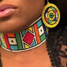 Zulu and Masai tribal combo crown necklace bracelet and African Earrings, African Jewelry, Beaded Choker Necklace, Beaded Bracelets, African Hats, Shoulder Necklace, African Accessories, Beaded Jewelry Patterns, Beaded Lace