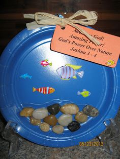 LifeWay's Vacation Bible School VBS underwater theme idea for craft Sunday School Projects, Sunday School Activities, Church Activities, Sunday School Lessons, Pre School, Children's Church Crafts, Vbs Crafts, Preschool Crafts, Crafts For Kids