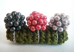 Crochet elastic rings. This would be fun to create with my daughter this summer.