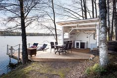 A special edition of inspiration posts brings Wanderlust Wednesday.a lake cabin it is! Outdoor Spaces, Outdoor Living, Haus Am See, Summer Cabins, Weekend House, Lake Cabins, Summer Kitchen, Cabins In The Woods, Pergola