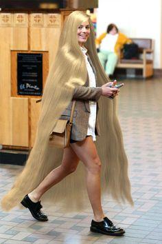 Shailene Woodley sporting her gorgeous long red hair! Chelsea Houska Hair, Silky Smooth Hair, Long Brown Hair, Black Hair, Rapunzel Hair, Ash Blonde Hair, Super Long Hair, Beautiful Long Hair, Gorgeous Hair