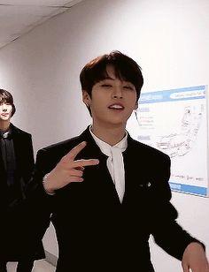 Stray Kids Minho, Lee Know Stray Kids, Kim Woo Jin, Cute Asian Guys, Kids Around The World, Sweet Guys, My Little Baby, Kids Videos, Lee Min Ho