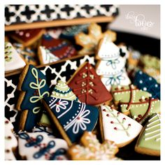 Nordic Christmas - by Daisy Loves Cake Christmas Biscuits, Christmas Sugar Cookies, Holiday Cookies, Holiday Treats, Christmas Treats, Christmas Cookie Boxes, Royal Icing Cookies, Cupcake Cookies, Iced Cookies