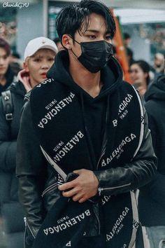 Vernon Seventeen, Mingyu Seventeen, Cute Asian Guys, Asian Boys, Fear 1, Kim Min Gyu, Mingyu Wonwoo, Renz, Tall Boys