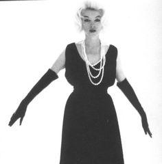 10/07/1962 Black Dress with Pearls par Bert Stern - Divine Marilyn Monroe