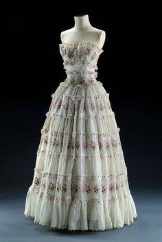 Dior 1953 #dior #50s #dress