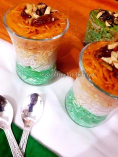 Independence Day Theme, Independence Day Special, Vermicelli Kheer Recipe, Ninja Wallpaper, Good Day Wishes, Cake Recipes, Dessert Recipes, Food Cakes, Beautiful Birds