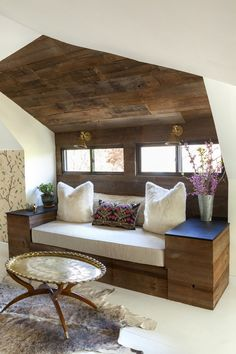 Reclaimed Wood Wall Built In Day bed - Design Manifest