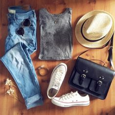 Casual Summer & Spring Outfit For A Bonfire Party or Out with the Girls